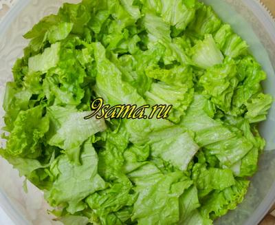 Простой и вкусный салат с морепродуктами