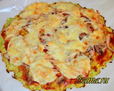 Полезная пицца без муки из кабачков