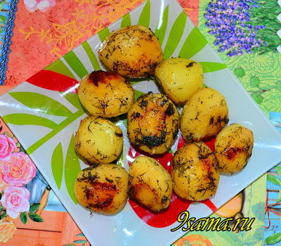 Картошка, запеченная в рукаве в духовке