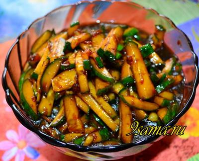 Корейский салат из свежих огурцов со специями