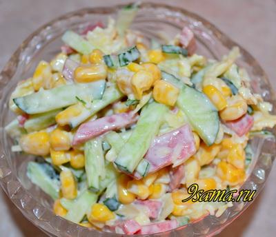 Рецепт майонезного салата с копченой колбасой