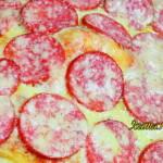 Рецепт пиццы в духовке с колбасой
