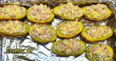 Лодочки из картофеля с начинкой в духовке